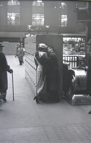 penn station, new york by louis faurer