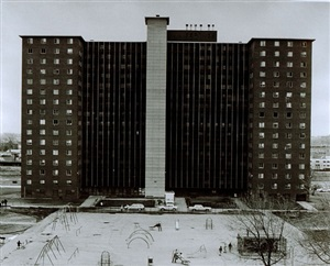 south lake street apartments ii, chicago by thomas struth