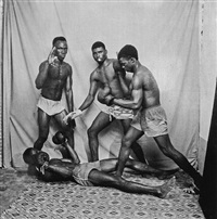 boxeurs en demonstration by malick sidibé