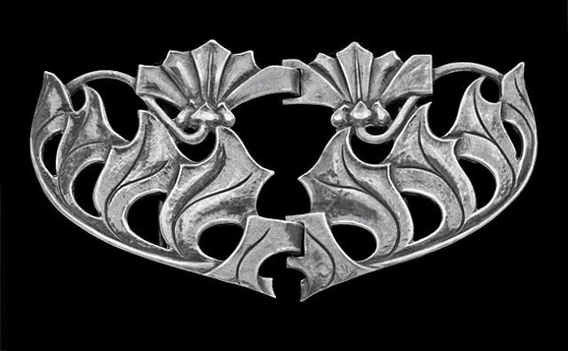 art nouveau buckle by birmingham guild of handicraft
