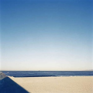 untitled (beach 15) by yoichi kawamura