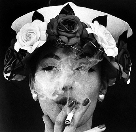 hat + 5 roses, paris (vogue) by william klein