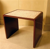 table basse en laque rouge et coquille d'oeuf composée d'un décor de rectangles argentés by jean dunand