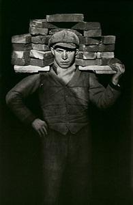 bricklayer by august sander