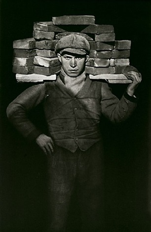 bricklayer by august sander
