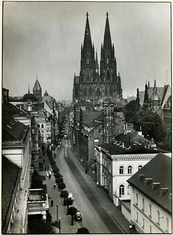 zeughaus street / zeughausstrasse by august sander