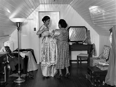 dresser, 1949 by stan douglas