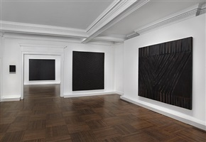 installation view:<i> frank stella: black, aluminum, and copper paintings</i> by frank stella