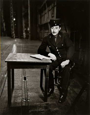 guard, paris by evelyn hofer