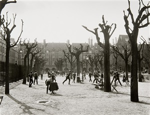 place de vosges, paris by evelyn hofer