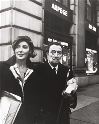salvador dalí with bruna caruso, fifth ave new york by peter basch