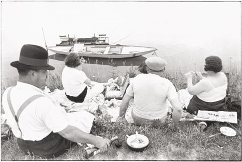 sunday on the banks of the river marne by henri cartier bresson