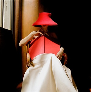 woman in red hat with book, ny public library, nyc by rodney smith