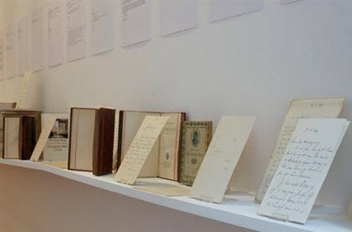 herman bang schreibt seinem verleger einen brief<br>installation view galerie buchholz, berlin 2012