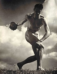 the discus thrower by leni riefenstahl