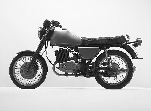 grünes motorrad (mz) by florian slotawa