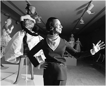 diana vreeland and mannequin in balenciaga at the costume institute at the metropolitan museum of art, new york by harry benson