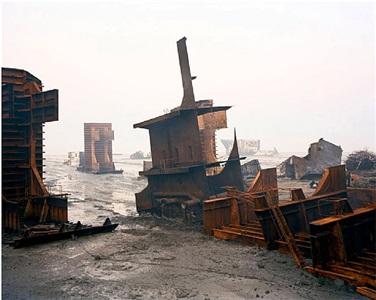 shipbreaking # 10, chittagong, bangladesh by edward burtynsky