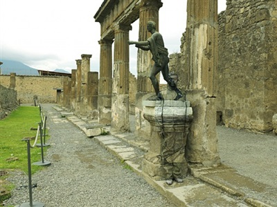 tempio di apollo, pompei by liu bolin