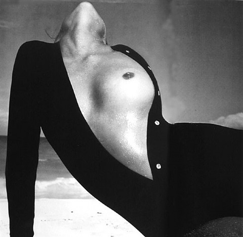 lauren hutton, sweater by van raalte, great exuma, the bahamas, october 1968 by richard avedon