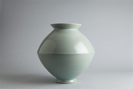 large spindle vase by young jae lee