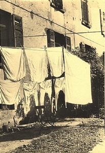 laundry, frankfurt by ilse bing
