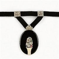 pendant by oscar dietrich