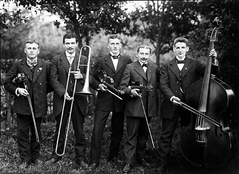 small country band by august sander