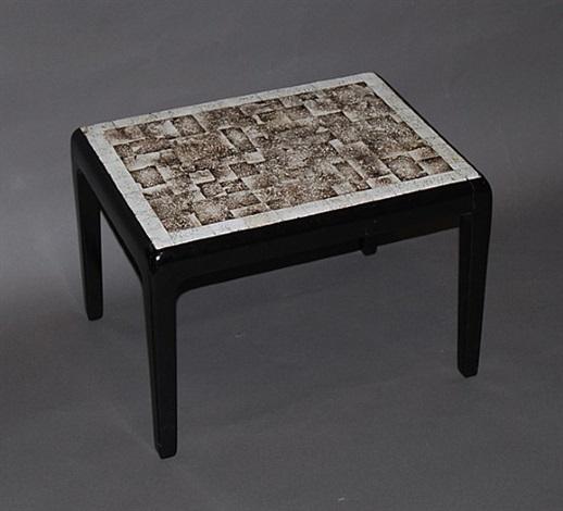 table basse en laque noire à décor géométrique de coquille d'œuf by jean dunand