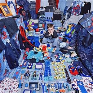 steve and his blue things by yoon jeongmee