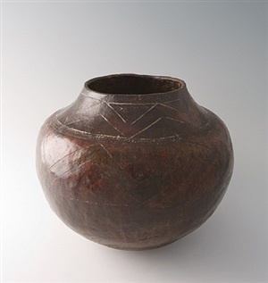 mbiya. tonga beerpot by africa