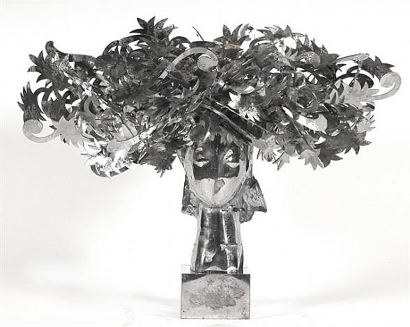 ada cabeza con flores plateadas by manolo valdés