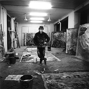 taller de miquel barceló en la avenida breteuil / le marais, paris (21 noviembre 1985) by jean-marie del moral