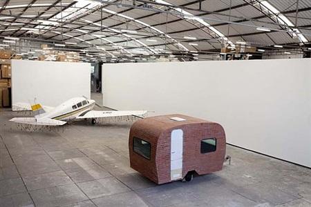 los carpinteros   'casa e avião'   exhibition view at galpão fortes vilaça by los carpinteros