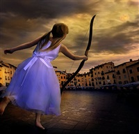 lucca luna by tom chambers