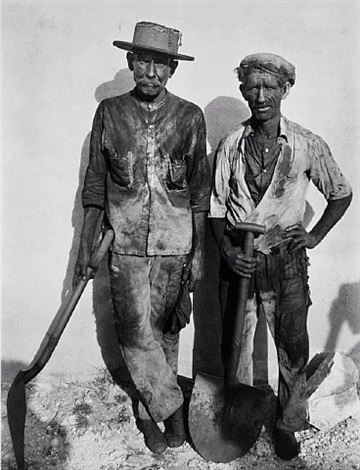 dock workers, havana by walker evans