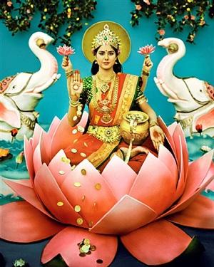 maa laxmi by manjari sharma