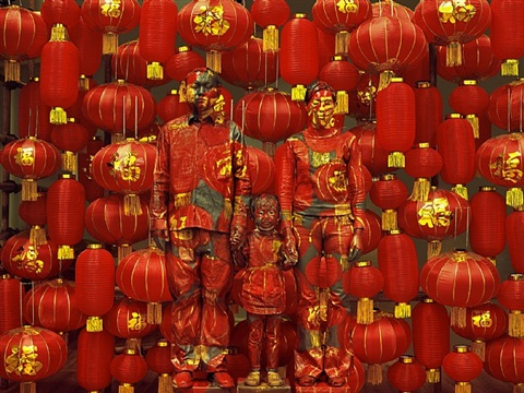 hiding in the city - family photo by liu bolin