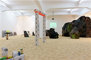 the universe wants to play - installation view at galerie crone 2013 by jerszy seymour