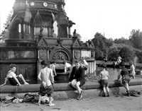 glasgow boys in the fountain by harry benson