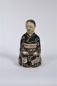 seated old woman by akio takamori