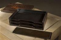boite à courrier en pin brûlé by eileen gray