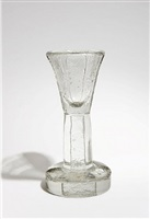 grand verre à pied / white glass calice by maurice marinot