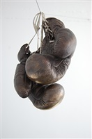 coup de grâce (paar boxhandschuhe) by vera lossau