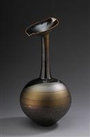 lotus vase, gold glaze by hideaki miyamura