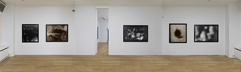 exhibition view, allan mccollum: perpetual photos, 1982-90, art & public
