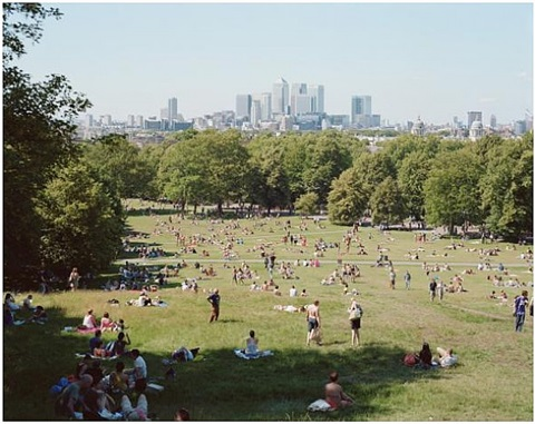 greenwich park by massimo vitali