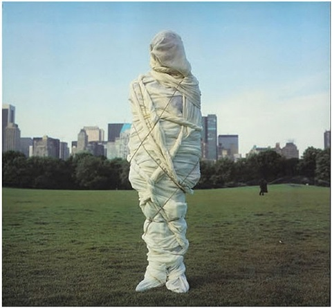 christo, new york 1978 by annie leibovitz