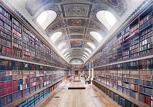 bibliothèque du sénat paris by candida höfer