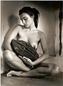 liliana maresca - desnudo con su obra #2 by marcos lópez